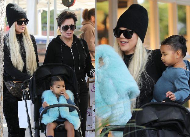 """""""Naturalna"""" Kris Jenner i zamaskowana Khloe Kardashian z córką buszują po targowisku (ZDJĘCIA)"""
