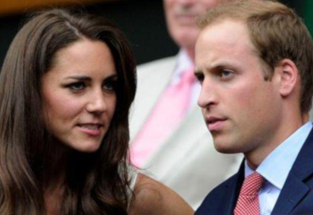 """Książę William miał ROMANS z przyjaciółką Kate? """"Wszyscy o tym wiedzą"""""""