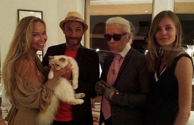 Przetakiewicz na urodzinach... kotki Lagerfelda!