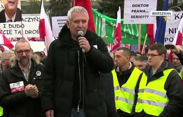 """Materna na manifestacji: """"Panie prezesie, pan jest z inteligenckiej rodziny, niech pan wróci do korzeni!"""""""