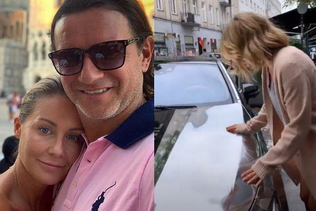 """Małgorzata Rozenek zachwyca się srebrnym autem Radzia: """"Jestem tak próżna, że POTRZEBUJĘ LUSTERKA NAWET W LAKIERZE"""""""