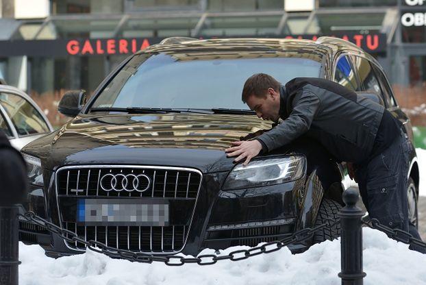 Karolak ma auta za prawie 2 miliony... (FOTO)