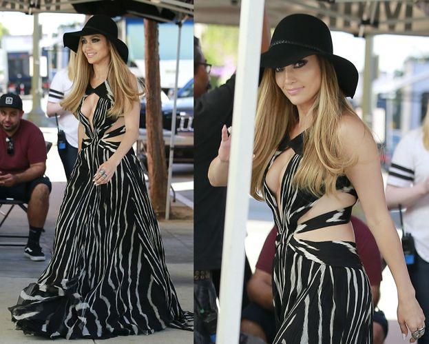 Jennifer Lopez zasłania swoje nogi