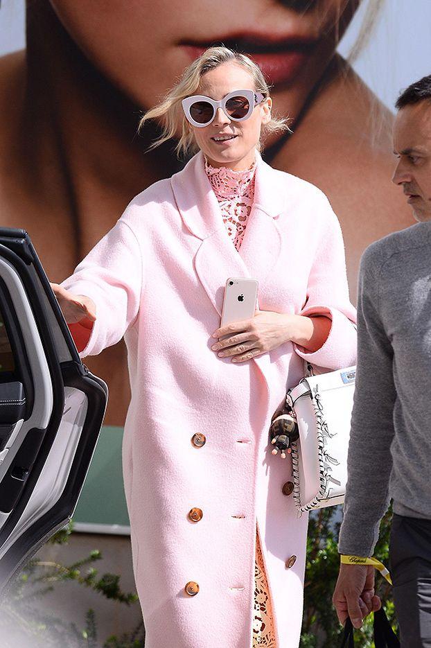 Diane Kruger spaceruje po Cannes z torebką za 16 000 ZŁOTYCH