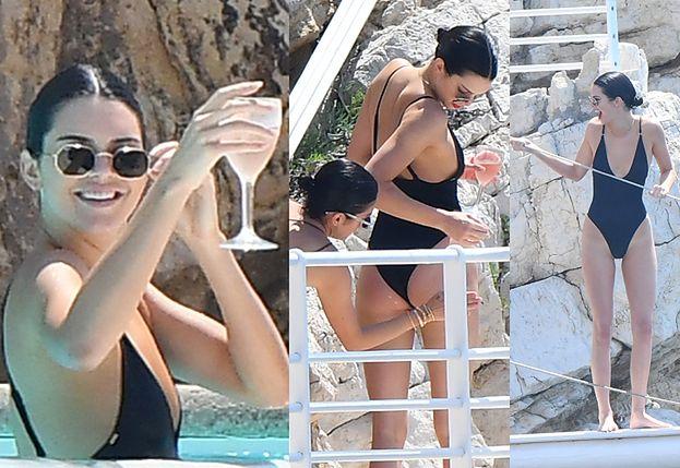 Kendall Jenner raczy się drinkiem i słońcem w basenie w Cannes (ZDJĘCIA)
