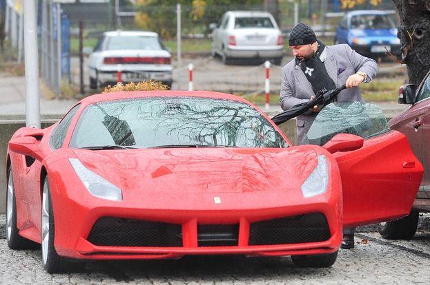 Patryk Vega jeździ Ferrari za 1,3 MILIONA ZŁOTYCH! (ZDJĘCIA)