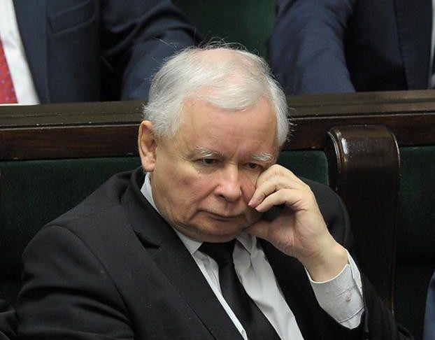 """Kaczyński DOSTANIE NOWE KOLANO! """"Może być wyłączony z normalnego funkcjonowania nawet przez pół roku"""""""