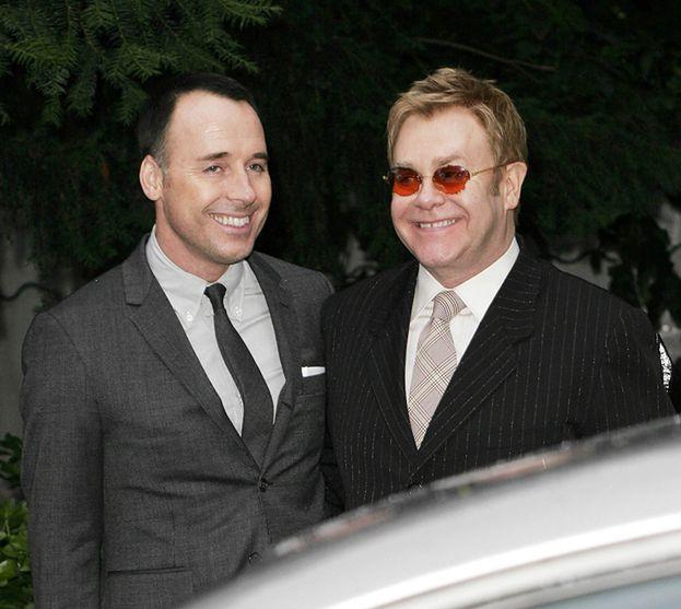 Elton John został ojcem!