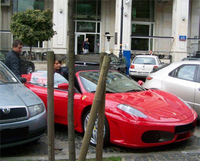 Teodorska z Zielinskim w Ferrari!