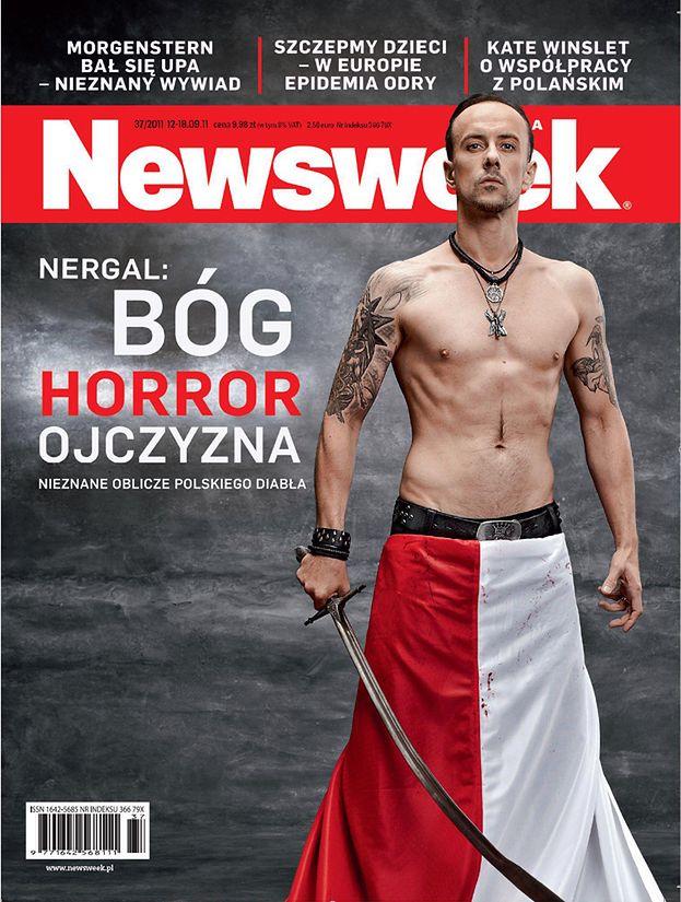 Wojna trwa: Nergal UBRANY W POLSKĄ FLAGĘ!