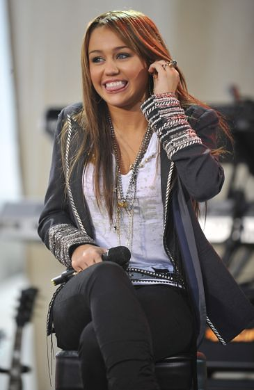 """""""Miley Cyrus nie żyje!"""""""