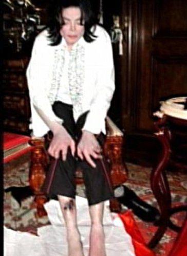 SZOKUJĄCE ZDJĘCIA nóg Jacksona!