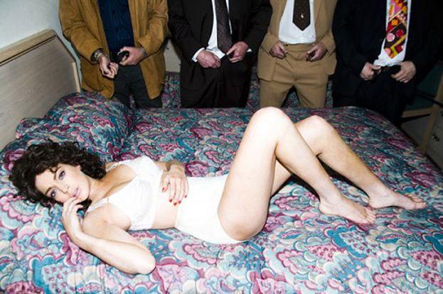 Lindsay jako gwiazda porno! (ZDJĘCIA)