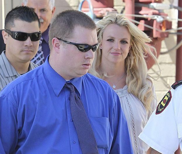 """Britney pozwana przez byłego ochroniarza! Nazywała go """"BIAŁYM ŚMIECIEM""""!"""