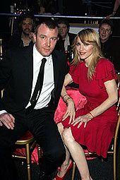 Elton John wraz z mężem pomagają Madonnie