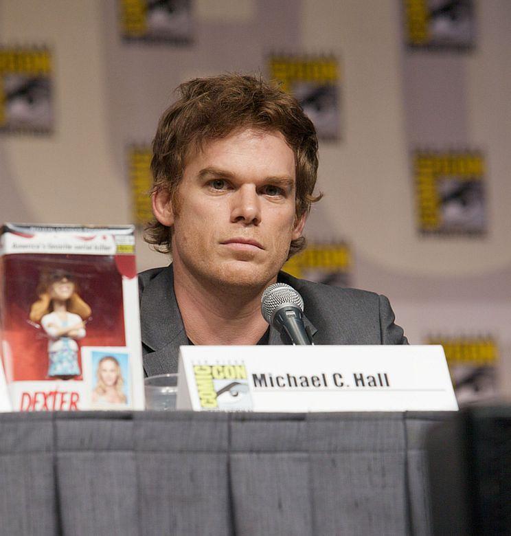"""Dexter"" CHORY NA RAKA!"