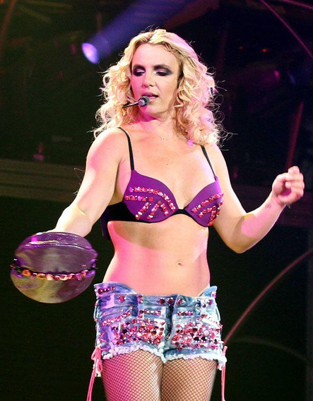Britney Spears CORAZ MNIEJ SEXY...