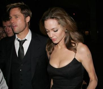 Angelina marzy o seksie z innymi facetami!