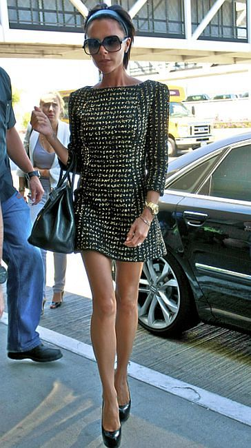 Victoria w krótkiej sukience