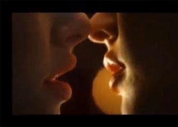 Megan Fox całuje się z dziewczyną!