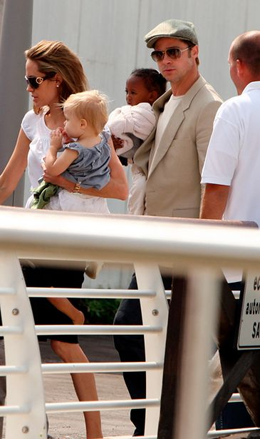 Angelina urodziła DZIEWCZYNKĘ i CHŁOPCA!