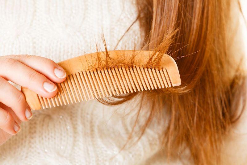akupresura na wypadanie włosów