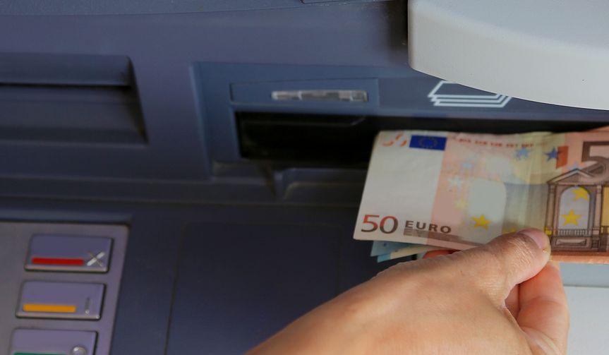 Nawet 5 zł za jedno euro. Wystarczy skorzystać z bankomatu