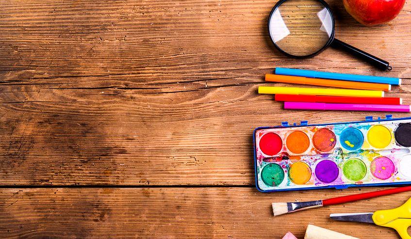 Niezbędne artykuły szkolne ułatwiające naukę