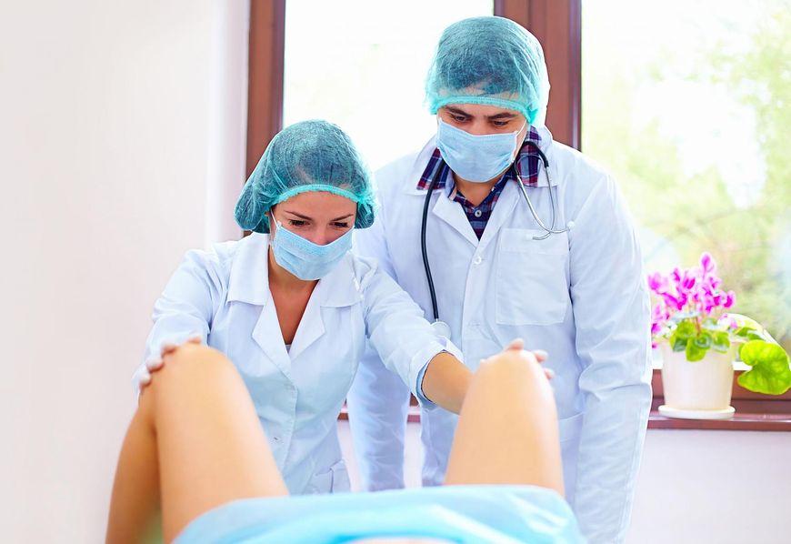 Japońskie filmy ginekologa seksu