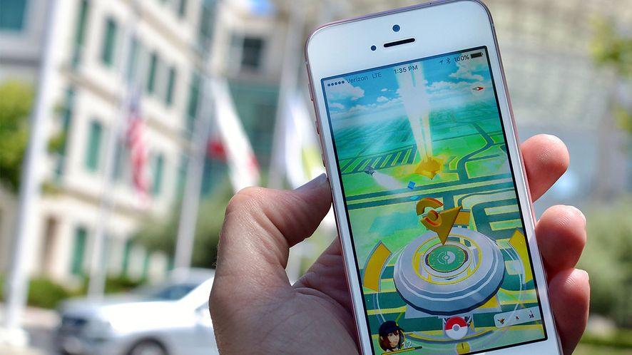 Nawet twórcy Pokemon Go nie chcą, by gracze wychodzili z domu