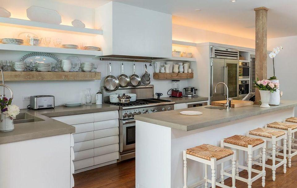 Gdzie prywatni kucharze gotują dla znanych i lubianych? 5 kuchni w domach gwiazd
