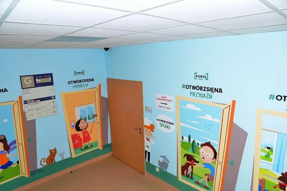 Bajkowe korytarze w Centrum Zdrowia Dziecka