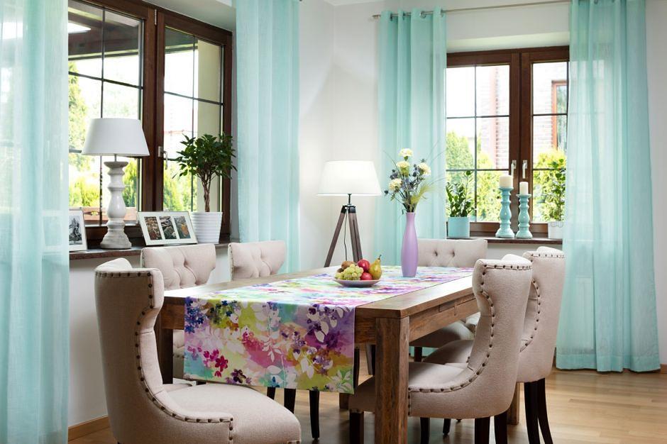 Zamieszkaj w ogrodzie – dekoracje wnętrz usłane kwiatami
