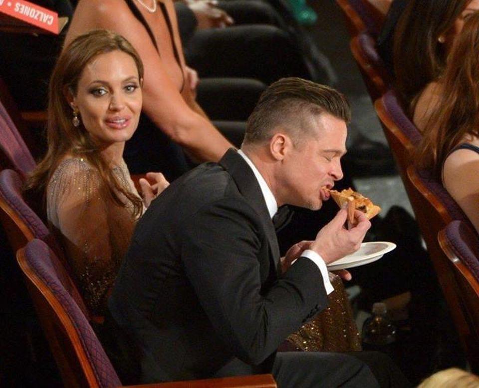 2Brad Pitt je pizzę
