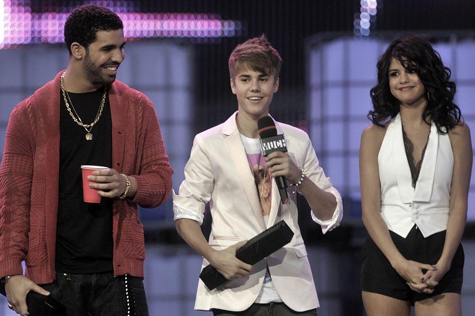 w którym roku Selena Gomez i Justin Bieber zaczęli się spotykać