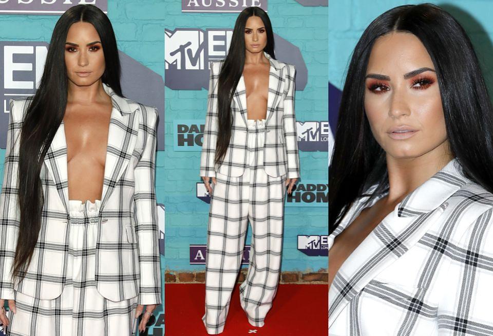 2Demi Lovato