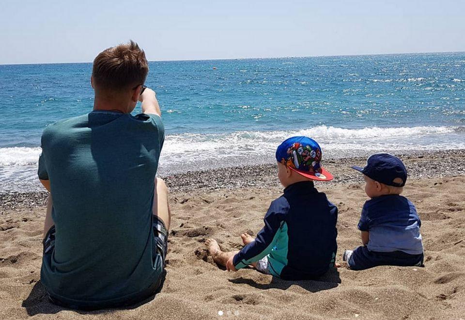 2Korzysta też z uroków katalońskich plaż