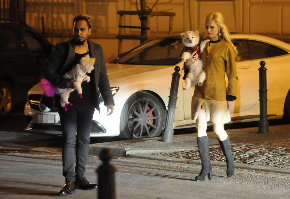 2Żona Hollywood z mężem na romantycznej kolacji