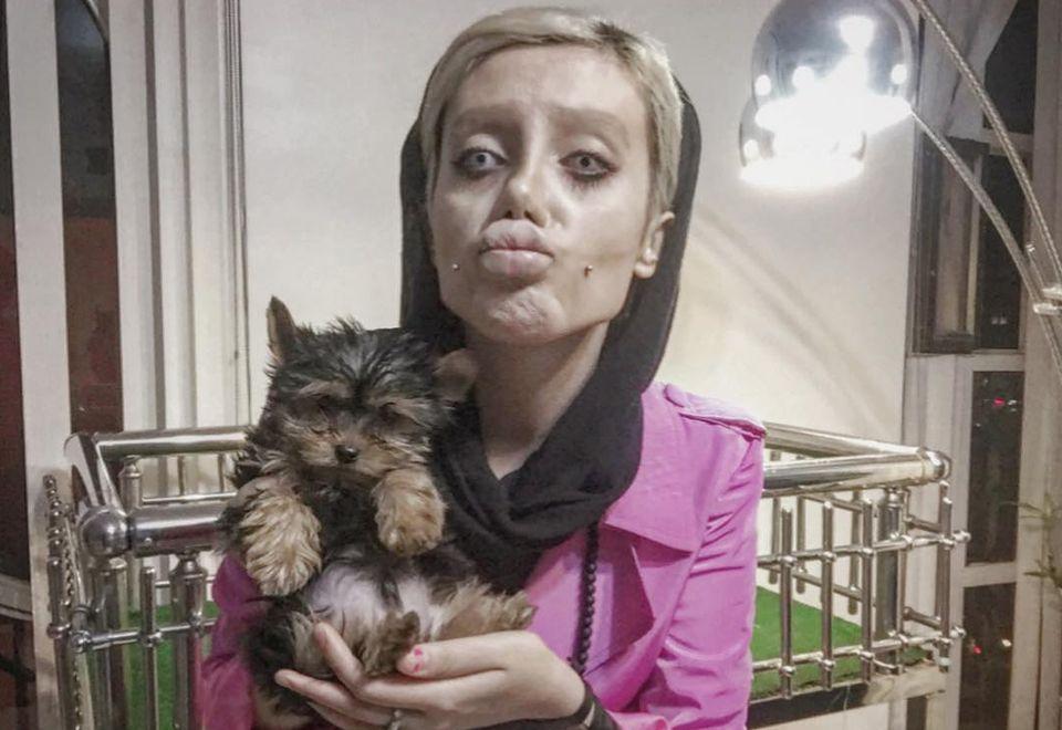 "2Sahar Tabar - irańska ""zombie Angelina"""