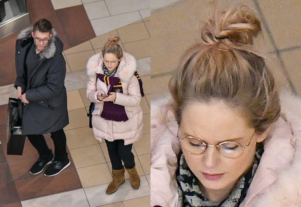 2Znudzona Olga Kalicka w zaawansowanej ciąży robi zakupy świąteczne z partnerem