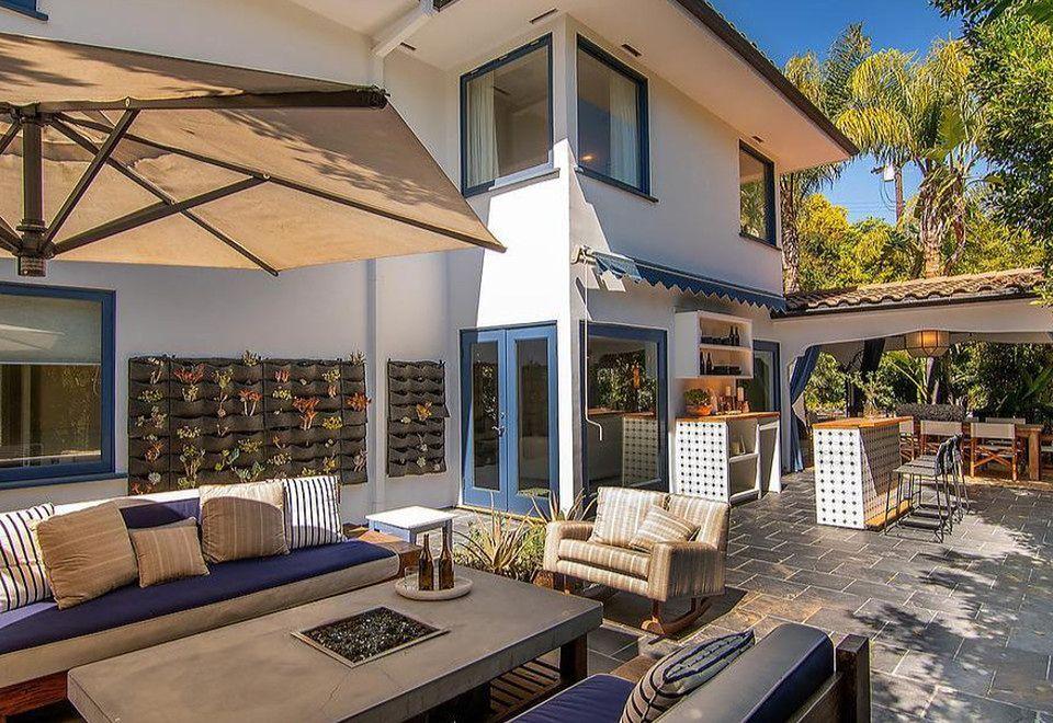 2Jessica Alba i Cash Warren sprzedają stary dom w Beverly Hills