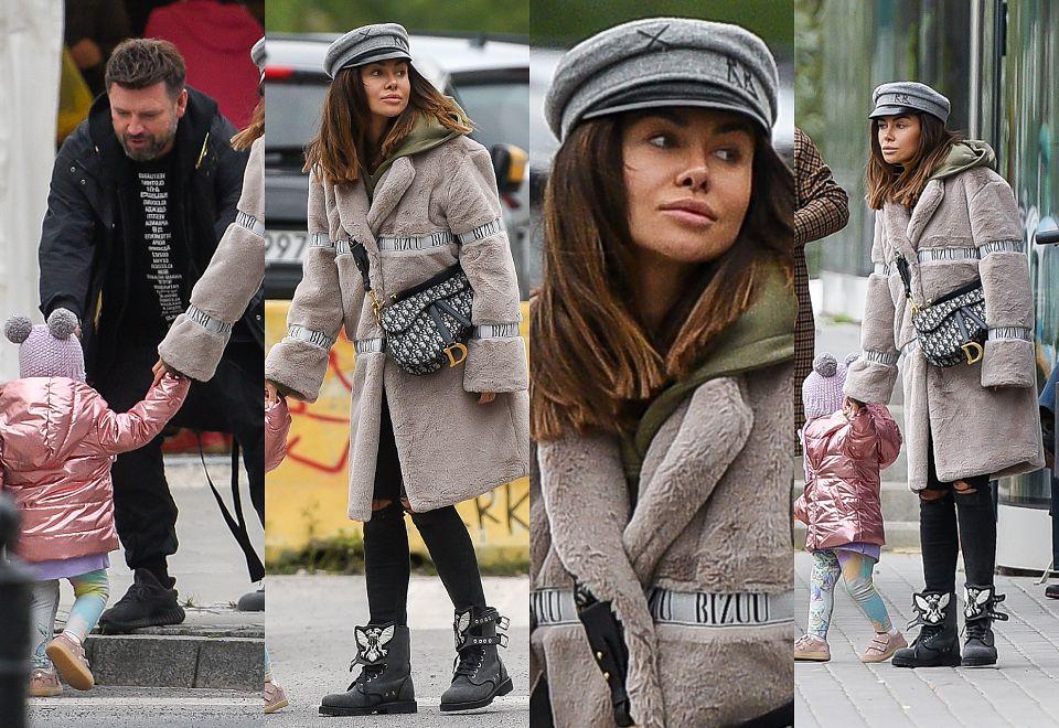 2Odpicowana Natalia Siwiec z torebką Diora za 16 tysięcy na jesiennym spacerze z córką