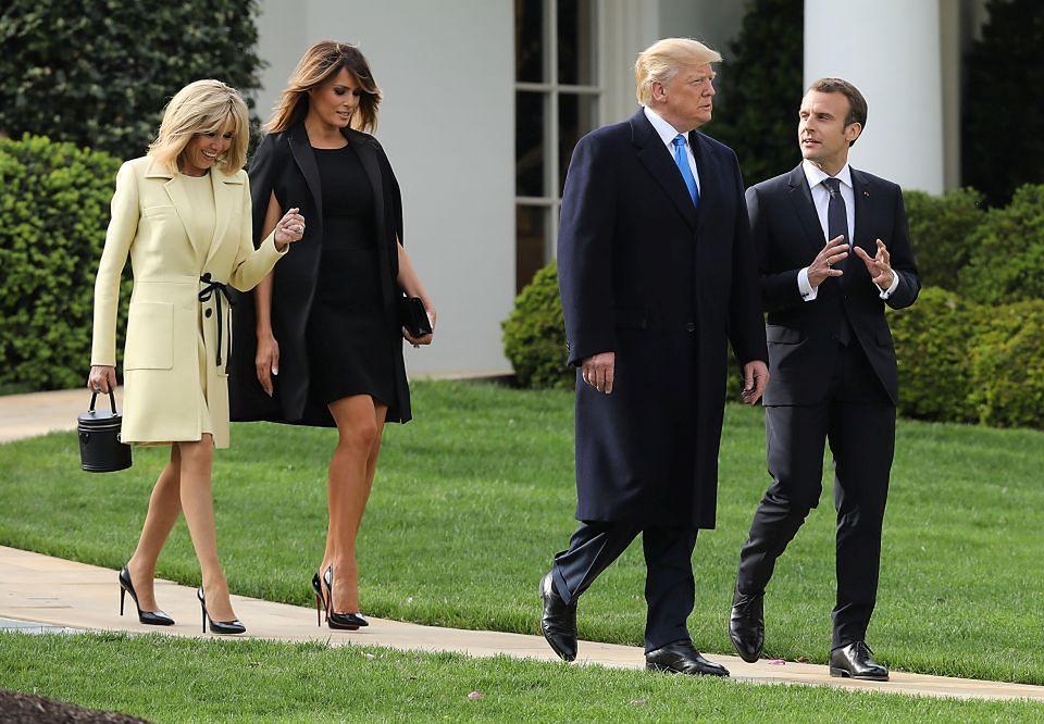2Emmanuel i Brigitte Macron odwiedzili Trumpa i zasadzili dąb