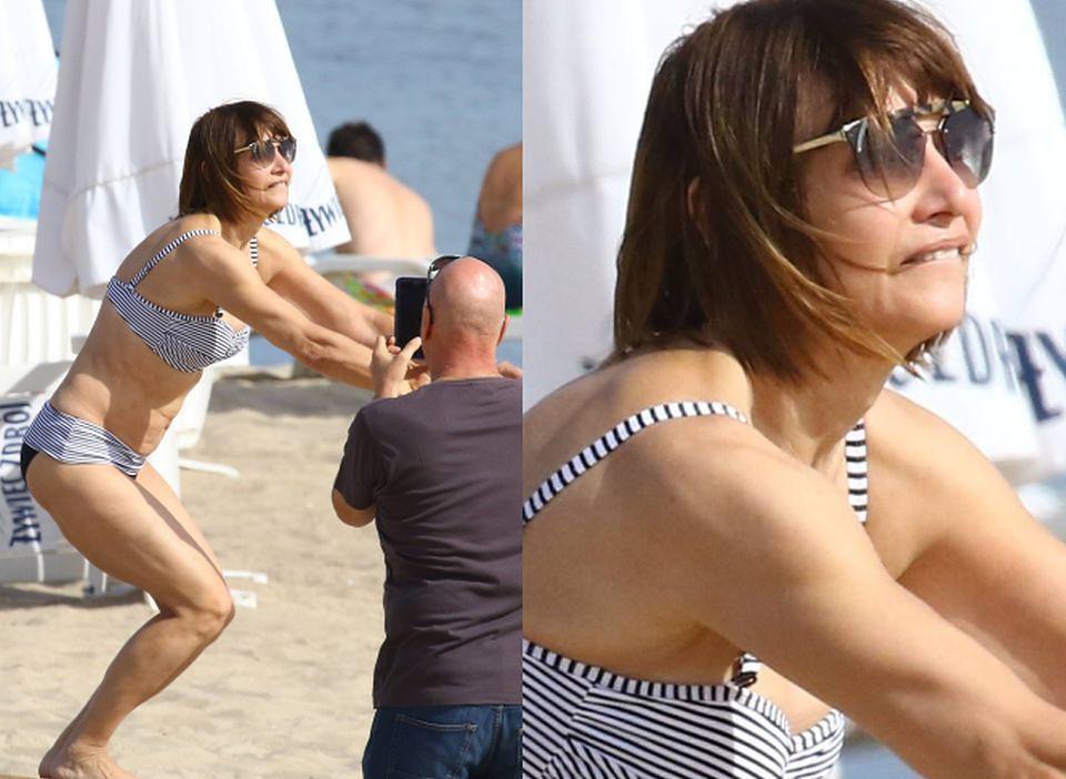 2Grażyna Wolszczak wygina się w bikini