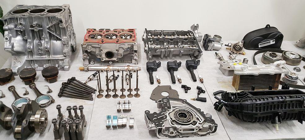 Silnik 1.0 TSI rozebrany na części po teście wytrzymałościowym