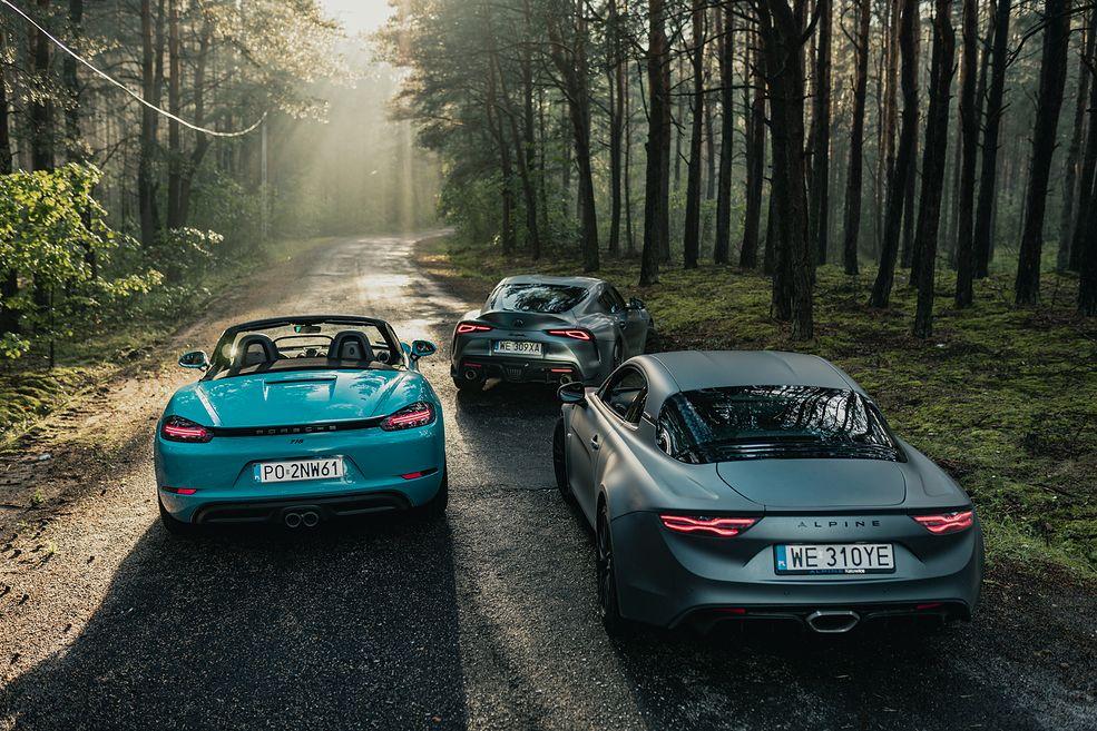 Nowa Toyota Supra to samochód wyjątkowy. Choć przygotowana razem z BMW, dała nam nadzieję na powrót Japończyków do niezwykle ekscytującej klasy samochodów sportowych. Prowadzi się świetnie, przyciąga wzrok przechodniów i oferowana jest zarówno z mocnym silnikiem sześciocylindrowym, jak i od niedawna z mniejszą, dwulitrową jednostką.