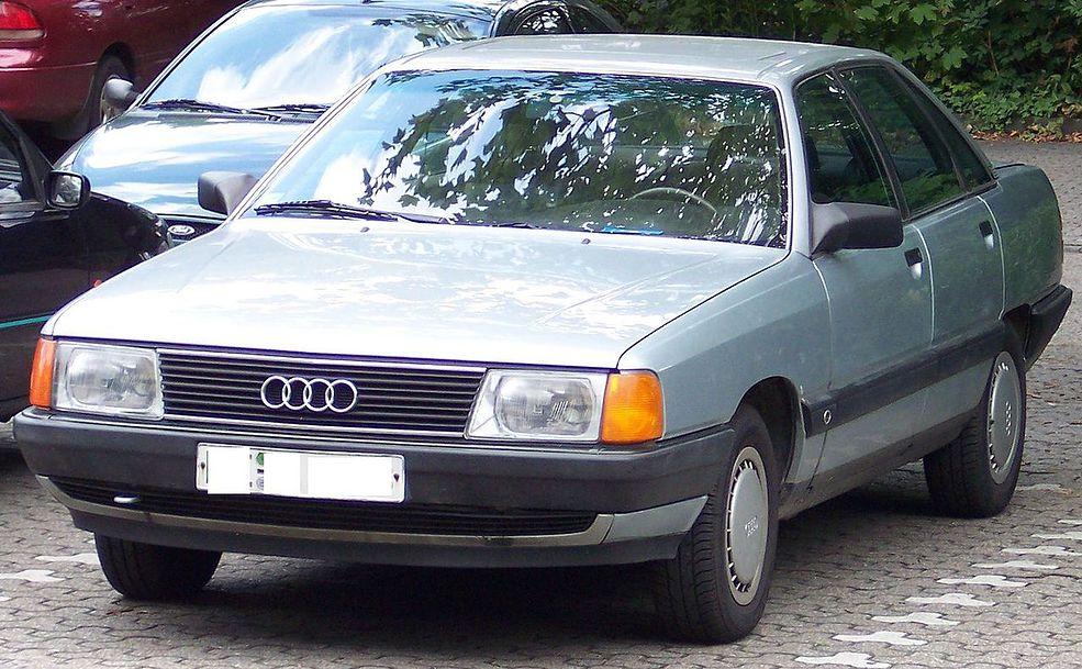 Audi 100 C3 to trzecia generacja modelu Audi 100.