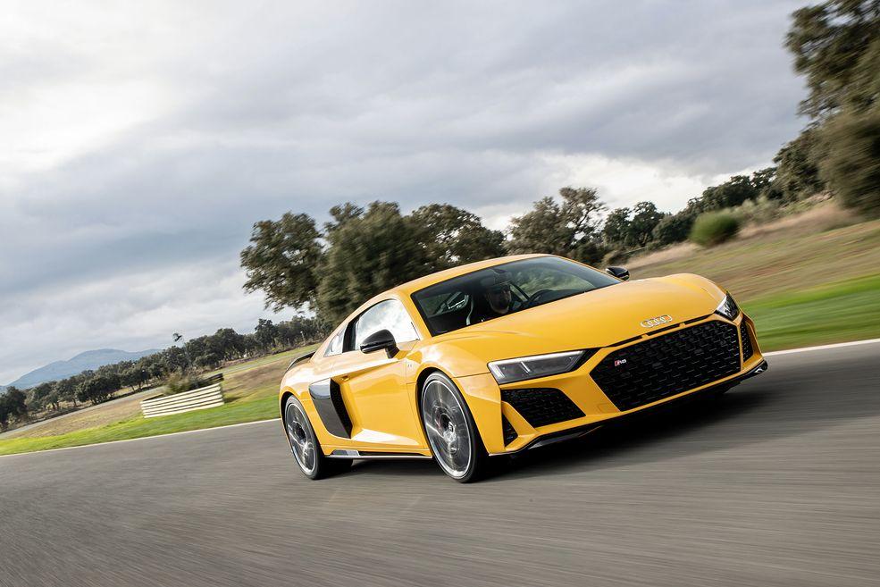 Nowe Audi R8 wygląda ostrzej. Sporo zmieniło się też pod nadwoziem