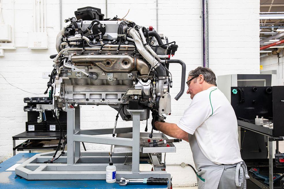 Silnik V8 z serii L przetrwał w produkcji 61 lat (fot. Bentley)