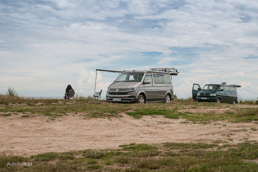Volkswagen ma bogate doświadczenia z budowaniem kamperovanów. Najpierw współpracowano z Westfalią, później przeróbki wykonywano samodzielnie.
